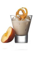Amarula Golden Glow - The Amarula Golden Glow drink is made from Amarula, pepeprmint schnapps, peach brandy and vanilla ice cream, and served in an old-fashioned glass.